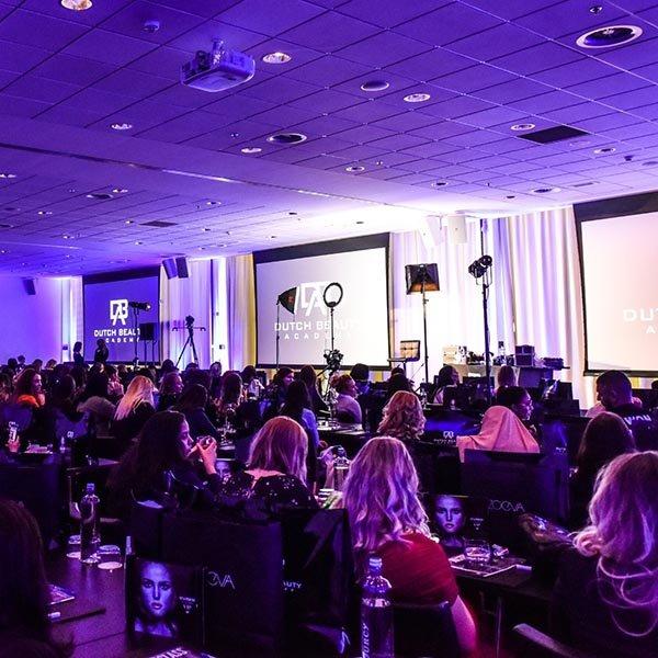 De inspirerende masterclass van Sir John, de make-up artist van Beyoncé bij Dutch Beauty Academy